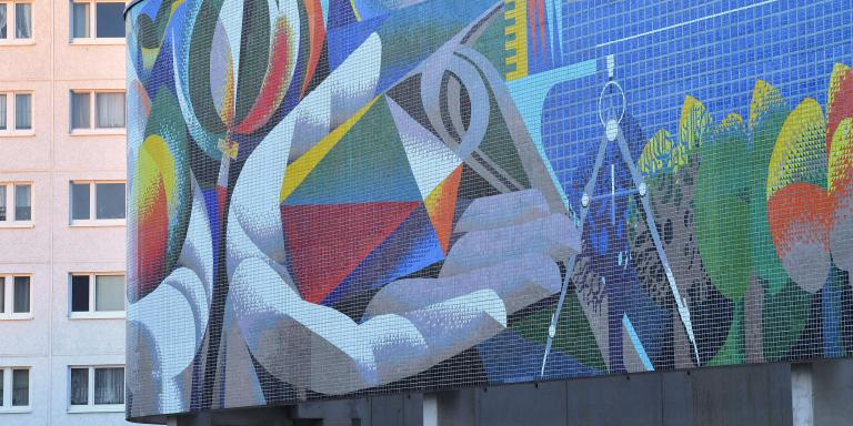 03 December 2019, Thuringia, Erfurt: The wall mosaic by Josep Renau