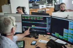 Au centre de réception et de régulation des appels du SAMU 57, au CHR de Metz-Thionville (Moselle), le 11 juin 2021.