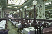 Le Bouillon Julien, créé en 1906, à Paris, le 15 septembre 2018.