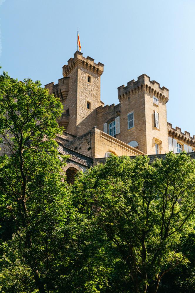 Le château de La Barben, propriété de Vianney d'Alançon, qui accueillera les spectacles de Rocher Mistral.