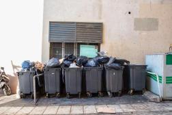 Avant la collecte, sur la place aux Huiles, dans le 1er arrondissement, à Marseille (Bouches-du-Rhône), le 7juin 2021.