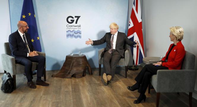 Le président du Conseil, Charles Michel, et la présidente de la Commission,Ursula von der Leyen, lors d'une rencontre avec le premier ministre britanniqueBoris Johnson, le 12 juin en Cornouailles.