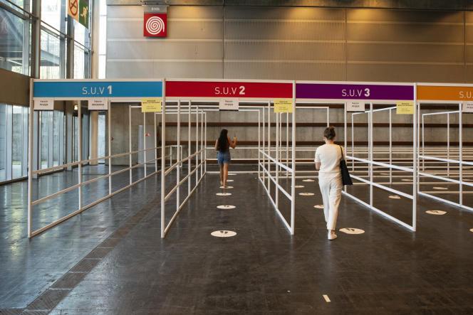 Centre de vaccination de la Porte de Versailles, à Paris, le 15 juin 2021.