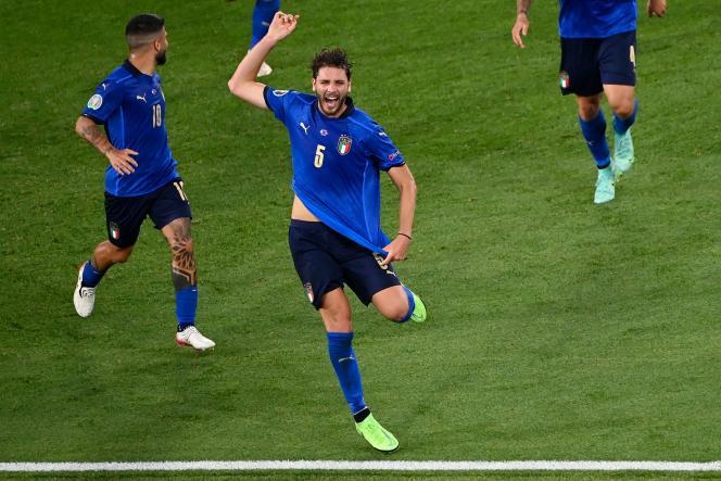 Le milieu de l'Italie Manuel Locatelli après son premier but contre la Suisse, mercredi 16 juin, au Stade olympique de Rome.