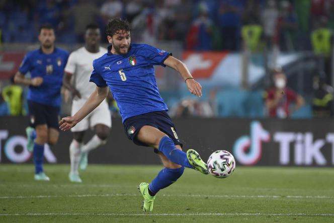 Le milieu de terrain de l'Italie et joueur de Sassuolo Manuel Locatelli, lors du match contre la Suisse le 16 juin 2021 à Rome.