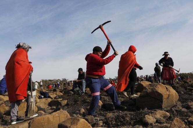 Sur une colline près du village de KwaHlathi, dans le Kwazulu-Natal, en Afrique du Sud, le 15 juin 2021.