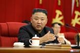 Image publiée le 17 juin 2021 parl'agence officielle KCNA, montrant le dirigeant nord-coréen Kim Jong-un, à Pyongyang, en Corée du Nord.