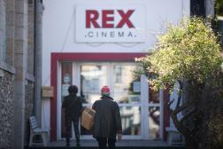 Devant le cinéma Le Palais à Belle-Ile-en-Mer (Morbihan), le 19 mai 2021.