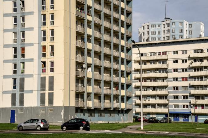 Logements HLM à Calais (Pas-de-Calais).