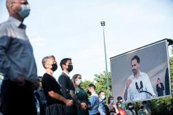 Laurent Saint-Martin, candidat LRM aux élections régionales, en campagne au Parc floral à Vincennes (Val-de-Marne), le 12 juin 2021.