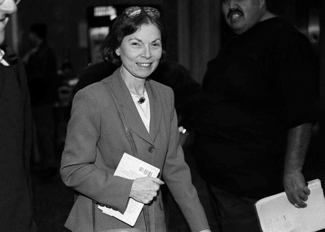 Janet Malcolm, lors d'une procédure judiciaire concernant un procès en diffamation intenté contre elle par le psychanalyste Jeffrey Masson, à San Francisco, le 29 septembre 1994.