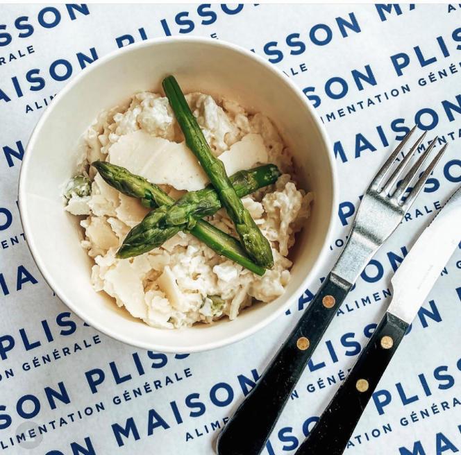 Ristotto aux asperges, parmesan et riz arborio.