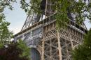 Autour du Trocadero, les touristes sont des Francilliens ou des français principalement. Paris, le 17 juin 2021.