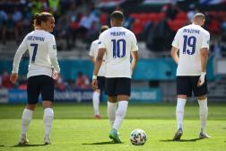 Les trois attaquants de l'équipe de France, Antoine Griezmann, Kylian Mbappé et Karim Benzema, le 19 juin 2021 à la Puskas Arena de Budapest