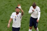 Olivier Giroud et Antoine Griezmann, après le match contre la Hongrie samedi 19 juin, à Budapest.