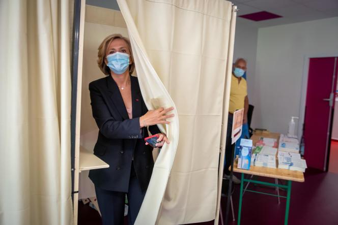 Valérie Pécresse, candidate à sa réelection comme présidente de l'Ile-de-France, au bureau de vote de Vélizy (Yvelines), le 20 juin 2021.