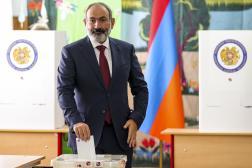 Le premier ministre arménien, Nikol Pachinian, vote à Erevan, le 20juin 2021.