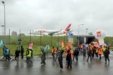 Manifestation contre des suppressions d'emplois dans le secteur aérien, àRoissy-Charles-de-Gaulle, le 18 mars 2021.