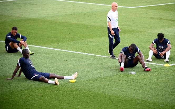 Corentin Tolisso, Moussa Sissoko, Kurt Zouma et Kingsley Coman à l'entraînement à Budapest, le 20juin.