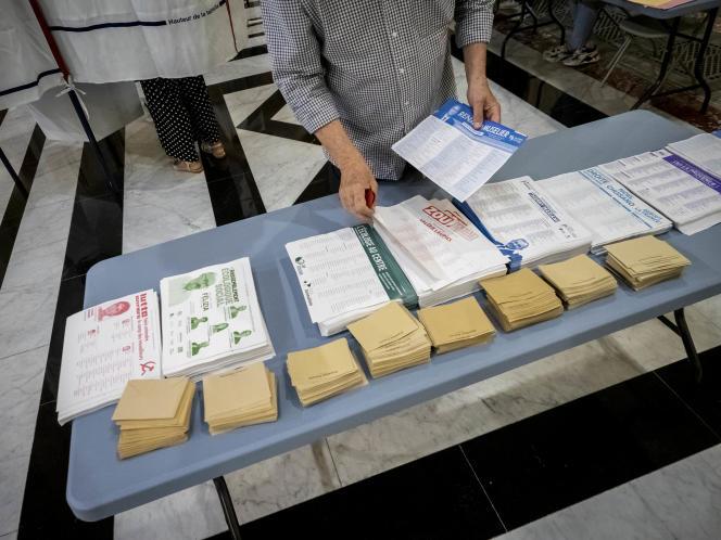 Le bureau de vote de la bourse a Marseille, le 20 juin 2021.