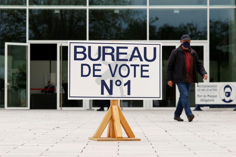 Un bureau de vote au Touquet-Paris-Plage, dimanche 20 juin 2021.