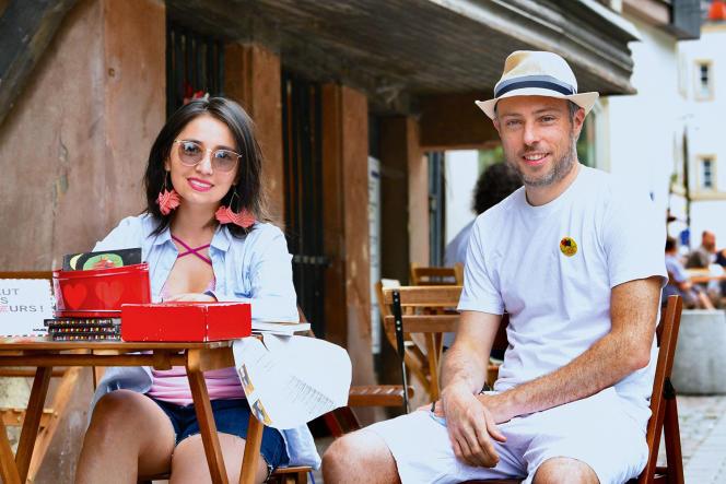 Paula Andrea Triana, ancienne étudiante de l'ENA, et Laurent Pavolini, avocat d'affaires, à Strasbourg, le 12juin 2021.
