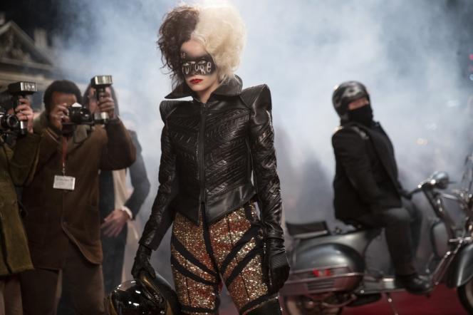 Emma Stone incarne Cruella dans le film de Craig Gillespie.