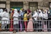 Des électeurs éthiopiens font la queue devant un bureau de vote à Addis Abeba, le 21 juin 2021.