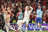 Les Danois célèbrent leur victoire 4-1 face à la Russie.