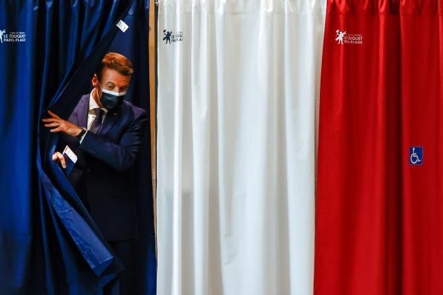 Emmanuel Macronlors du premier tour des élections régionales et départementales, au Touquet-Paris-Plage (Pas-de-Calais), le 20 juin 2021.