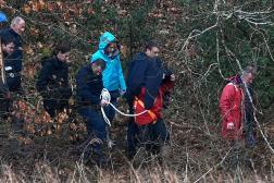 Reconstitution dans le cadre de l'enquête sur le meurtre de la famille Troadec, à Pont-de-Buis, dans le Finistère, le 16 juin 2021.