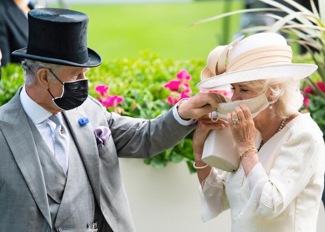 Le prince Charles et Camilla Parker-Bowles, le 16 juin 2021, à Ascot, au Royaume-Uni.