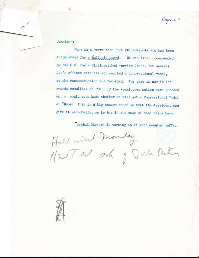 Une note envoyée à la Maison Blanche demandant la Medal of Honor pour Waverly Woodson.