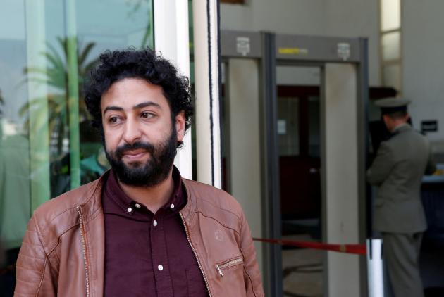 Le journaliste d'investigation Omar Radi, devant le tribunal de Casablanca, au Maroc, le 12 mars 2020.