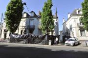 Le 22 avril 2011 à Nantes, devant la maison de la famille Dupont de Ligonnès.
