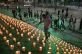 Une veillée en souvenir des plus de 500 000 morts du SARS-CoV-2 à Rio, au Brésil, le 21 juin 2021.