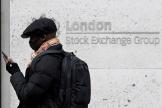 Devant les bureaux de la Bourse de Londres, le 9 mars 2020.
