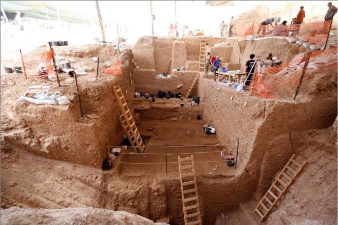 Le chantier de fouille à Nesher Ramla (Israël), où des éléments fossiles attribués à un individu du genre «Homo» ont été découverts.