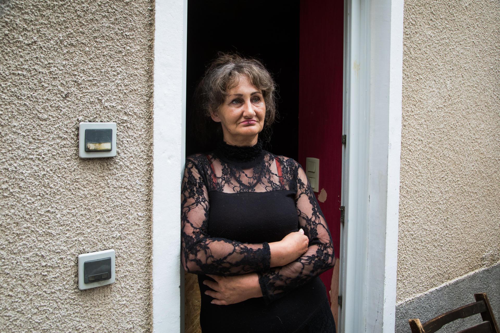 Christine Roullet, la mère de Mehdi Farghdani, à son domicile à Beaumont-du-Gâtinais (Val-d'Oise), le 21 juin.