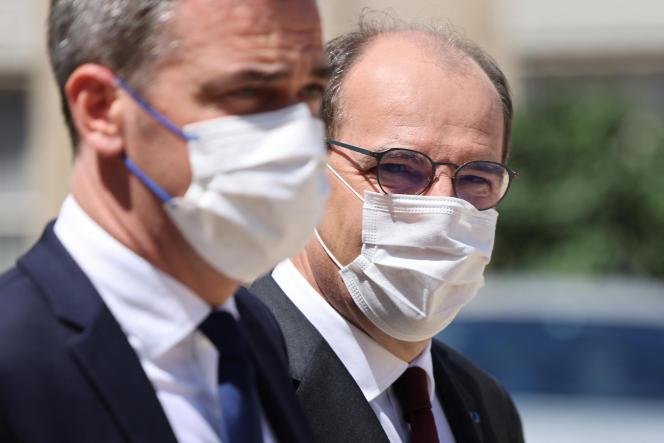 Le ministre de la santé, Olivier Véran, et le premier ministre, Jean Castex, le 16 juin 2021, à Paris.