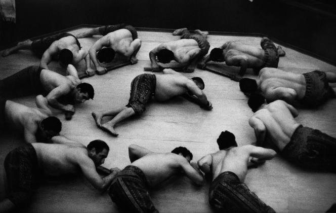 « Lutteurs à Téhéran». Iran, 1955.