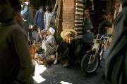 Dans un souk, à Marrakech, en1975.