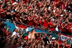 Des supporters lors du match entre la Hongrie et la France à la Puskas Arena le 19 juin 2021 à Budapest (Hongrie).