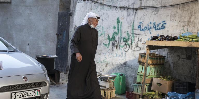 Ville de Gaza, Gaza, le 23 mai 2021.  Al Moghani vient au centre de la ville de Gaza pour la négociation entre les membres de deux familles en conflit à cause d'un meurtre.  Photo Laurent Van der Stockt pour Le Monde