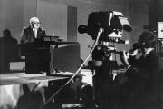 Friedrich Dürrenmatt, lors d'une lecture, en janvier1960.