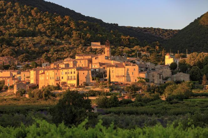 Le village de Venterol, à découvrir par les petites routes de la Drôme, en 2019.