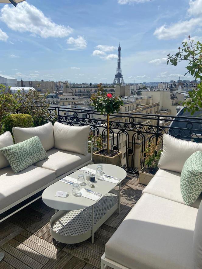 La terrasse de l'Hôtel Raphael, à Paris.