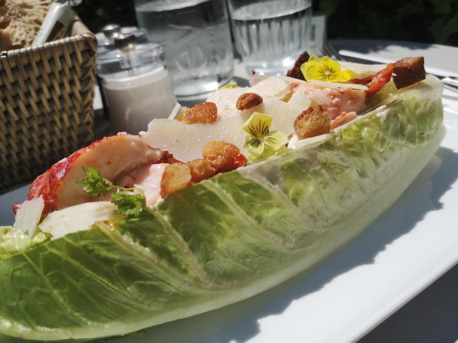 Salade Caesar au homard.
