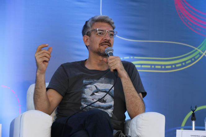 L'écrivain mexicain Emiliano Monge, à Mexico, en 2016.