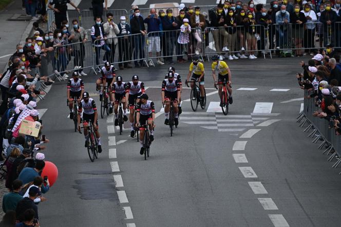 Les coureurs de l'équipe UAE Emirates lors de leur présentation avant la 108e édition du Tour de France, le 24 juin 2021.